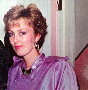 Kristin Daly, 80-tallet, smilerynker, motemat