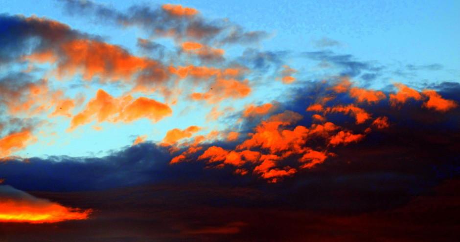smilerynker, sommerkveld i borettslaget, solnedgang