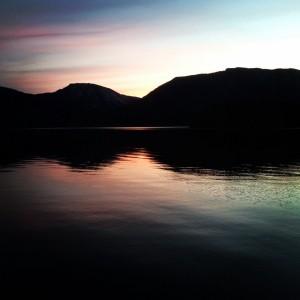 Kveld og svarte fjell, Nisser