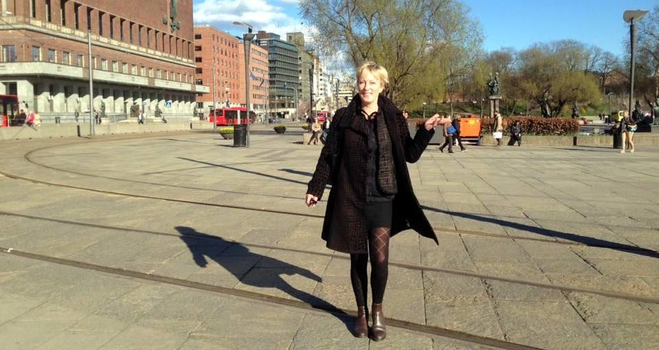 Oslo, smilerynker, sol, tilfeldig møte