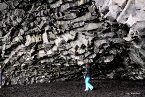 Island, Reynisfjara, svart stein, grotte