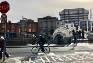 Ha'penny bridge, Dublin, smilerynker.no, Kristin Daly