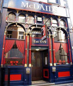 McDaids i Dublin, tradisjonell pub i sentrum